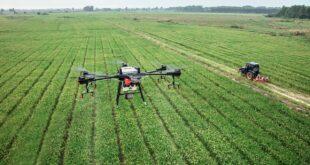 Teleguidare i trattori con i droni